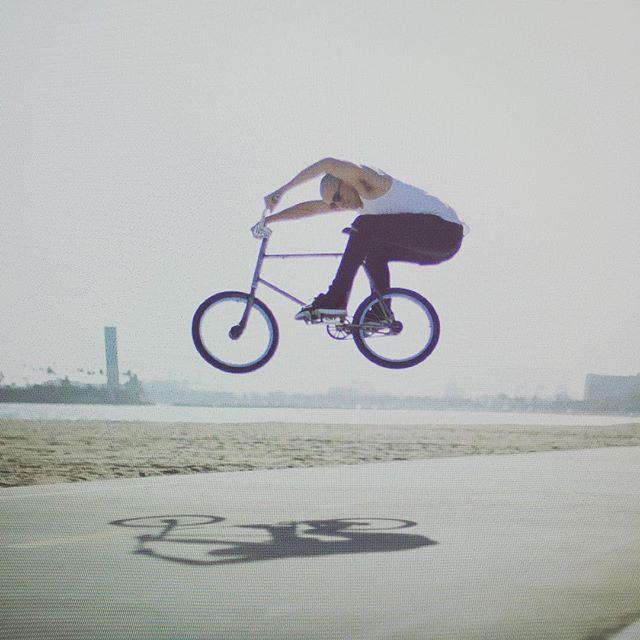 #trickmixie #bmx #fixie #fgfs #vintagestyle #rusty #vintage #bikelife #bike #bicycle #california #longbeach #westcoast #street #streetfashion #streetstyle @fuckjoemckeag thx for the good looks  shoutout to @citygrounds #eastcoast coming at you soon #freewheel @dahshop @paulpolicastro