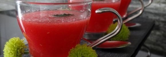 Régime Dukan : Soupe fraiche de pastèque et menthe #dukan http://www.dukanaute.com/recette_soupe_fraiche_de_pasteque_et_menthe-8565.html