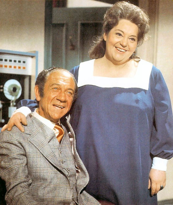 Sid James as Sidney Bliss, and Hattie Jacques as Sophie Bliss in 'Carry On Loving' (1970)