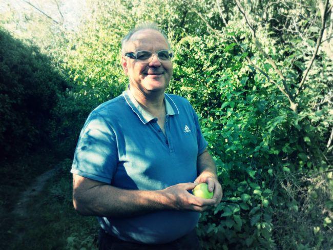Jardiner_Rue89_Eric Charton est l'animateur du Club Relais jardin et compostage dans l'Eurométropole