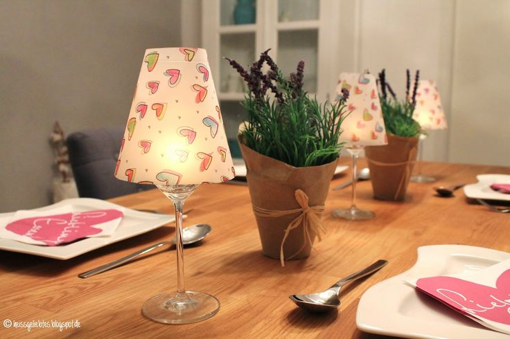 diy weinglas lampenschirme kerzenhalter tischdekoration kerzen diy gartenparty deco. Black Bedroom Furniture Sets. Home Design Ideas