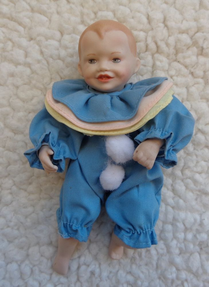 Beautiful Yolanda Bello Sitting Black Baby Girl Porcelain Cloth Girl