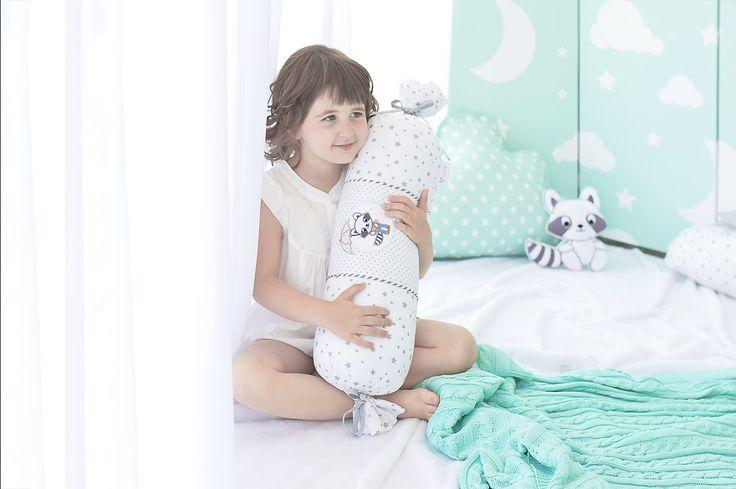 Подушка валик для детского интерьера от Идея.