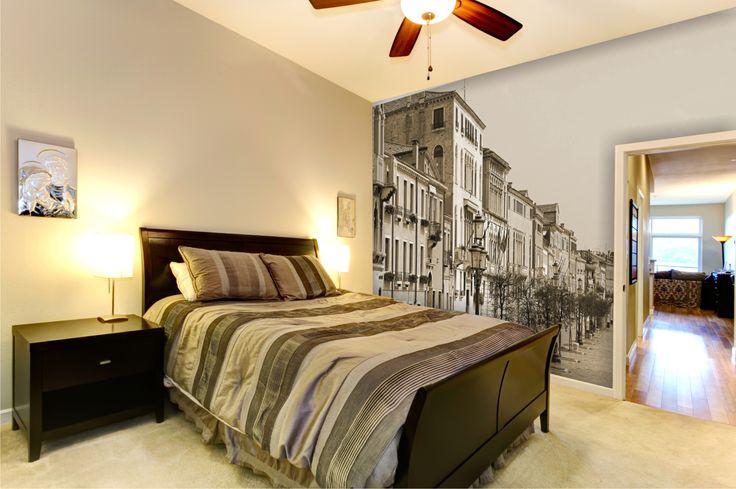 Fototapeta buduje klimat sypialni. Macie fototapetę na swojej ścianie? Fototapeta: http://mural24.pl/konfiguracja-produktu/4121547/ #sypilania #aranżacja #mural #mural24pl #staremiasto