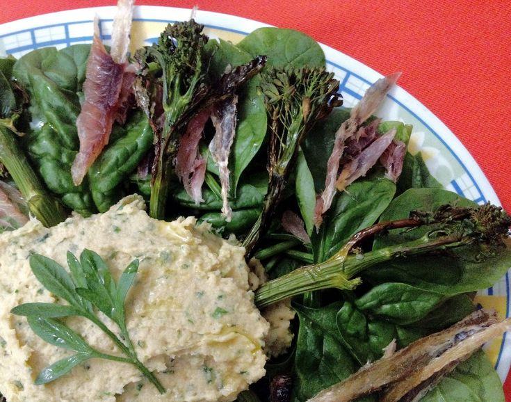 Salada de Carapau seco com Húmus de Lima e Hortelã