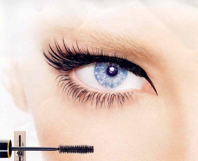 Il mascara è l'alleato fedele della trousse del make up. Ecco alcuni consigli utili su come sceglierlo e utilizzarlo al meglio e su come fare il mascara in casa.