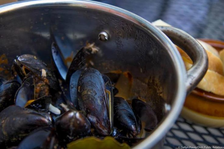 Gunners Run: Mussels -  Crab Bisque: Crab, Marinara, Cream, Sherry