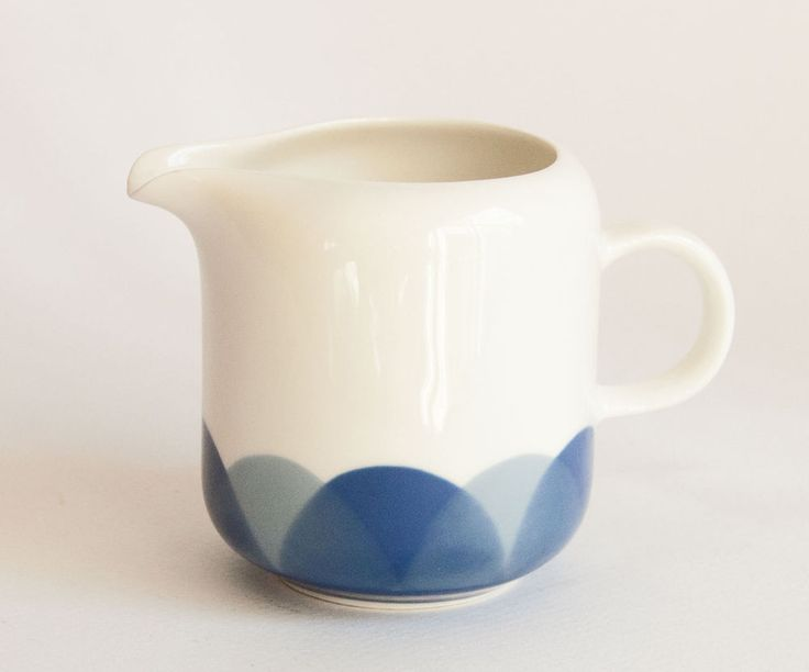 Arabia Finland Pudas Arctica - I do love this design;  have the cups and saucers but not this