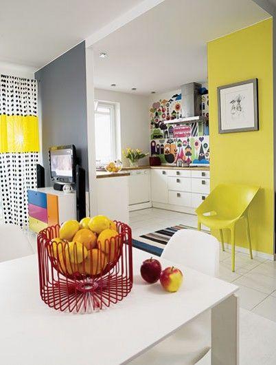 Emérita Desastre: Colores que decoran: Superstición amarilla