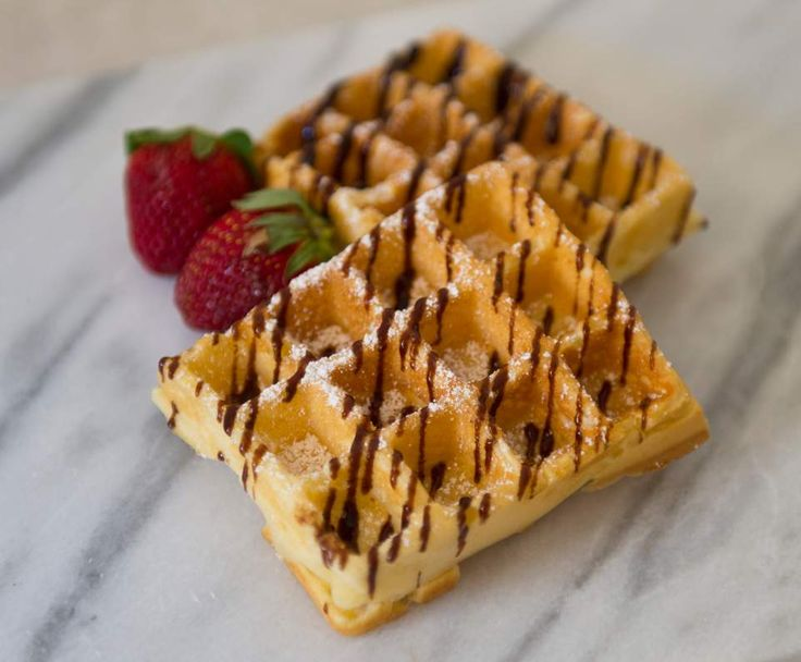 Recipe Classic Waffles by mickyh - Recipe of category Desserts & sweets