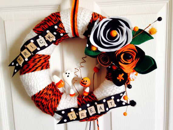 Halloween Yarn Wreath Vintage Halloween Retro by Lizzyandlois