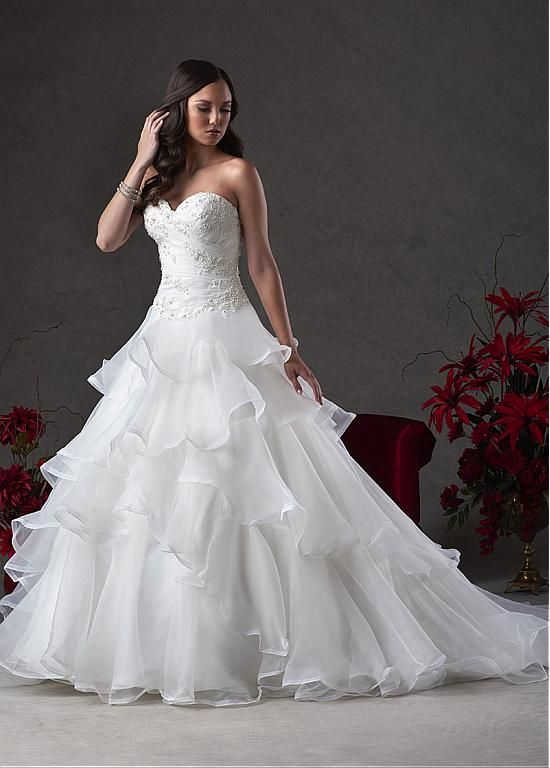 Fabulous Organza Sweetheart Neckline Ball Gown Wedding Dresses with Beaded Lace Appliques