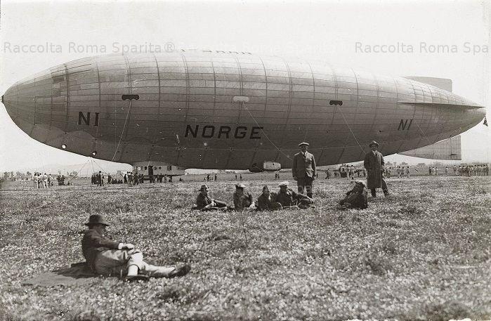 Foto storiche di Roma - Aeroporto di Ciampino - Il dirigibile Norge Anno: 29 marzo 1926