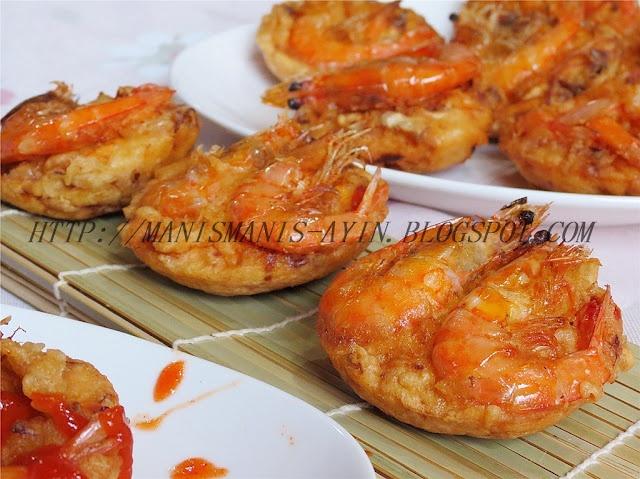 Bakwan udang (shrimp fritter)