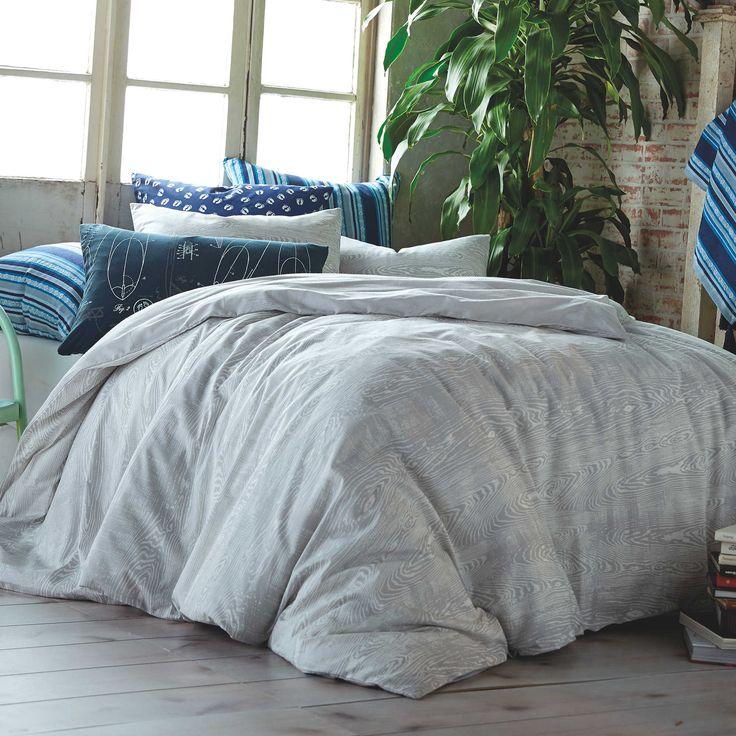 Hang Ten Woodgrain Reversible Comforter Set