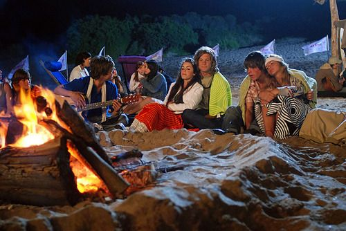 Mar y Tacho, Jaz y Thiago, se cambiaron haha, cute couples camping on the beach <3
