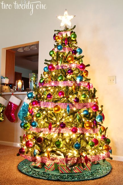 How to put lights on a Christmas tree. The RIGHT way! No more looping the lights around the tree. This way makes the whole tree glow and look evenly lit.