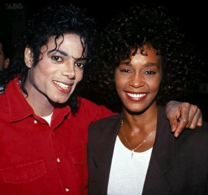 Michael Jackson and Whitney HoustonWhitney Houston And Michael Jackson Kissing