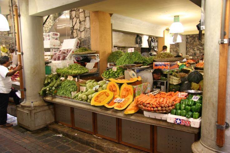 Legumes au marché de Port Louis/ Local vegetables at Port Louis Market #mauritius #memoris #sharingmemoris