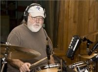 DATE OF BIRTH:12 March 1938 PLACE: Dallas, Texas  Ron Tutt (born March 12, 1938, Dallas, Texas) is a drummer who played concerts and recording sessions for a variety of rock artists from Elvis to the Carpenters.