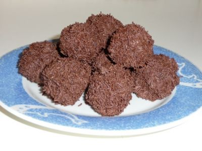 Super Rich Chocolate Rum Balls