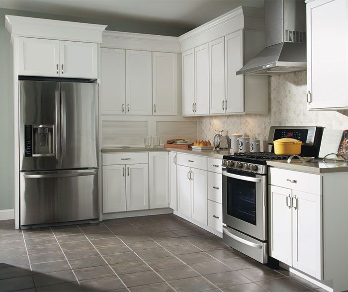 The Purestyle Finish On These Brellin White Laminate Kitchen Cabinets Creates A Look That Is