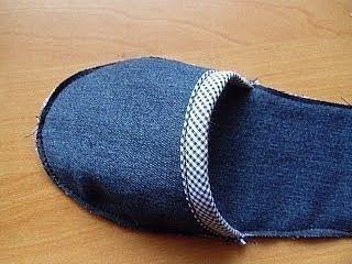 Шьем из старых джинсов тапочки.