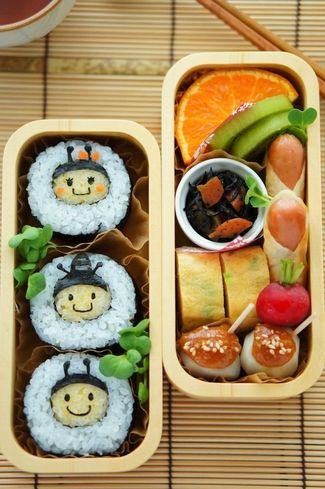 日本人のごはん/お弁当 Japanese meals/Bento 蜂弁当 Sushi Honeybee Kyaraben Bento by naohaha