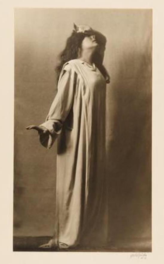 Arnold Genthe. Julia Marlowe as Lady Macbeth in Macbeth 1911-1913