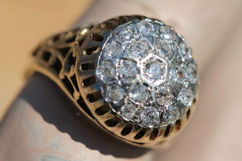 VINTAGE 14K YELLOW GOLD FILIGREE BRIGHT DIAMOND CLUSTER PINKY RING