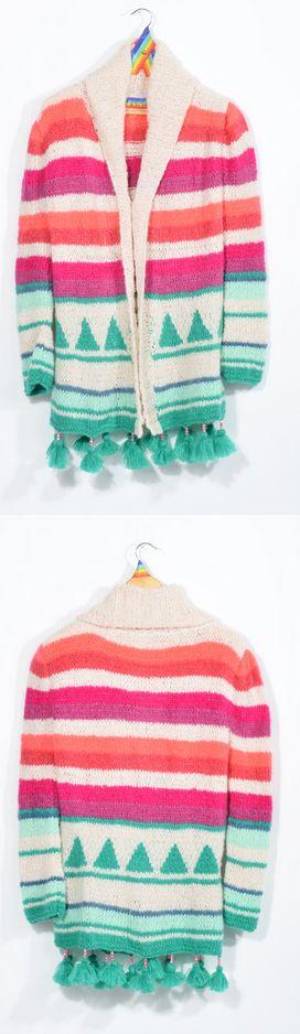 Tapado tejido a dos agujas en lana Mohair Slam, super fina, suave y delicada, en franjas de colores y dibujos de triángulos, con pompones colgando de mostacillas.  100% hecho a mano.  $790