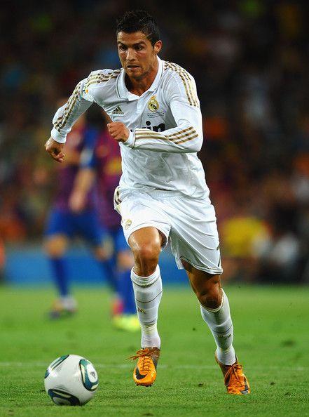cristiano ronaldo playing soccer | Cristiano Ronaldo in ...