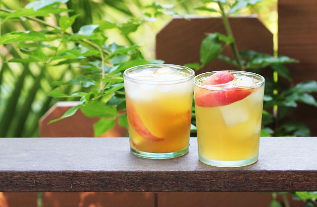 Peach Ginger Sangria by kitchenconfidence #Sangria #Peach #Ginger