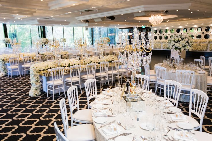 Wedding venue styling at Doltone House Sylvania Waters. 5 tips every bride should know for styling a luxury wedding! White and gold wedding reception.