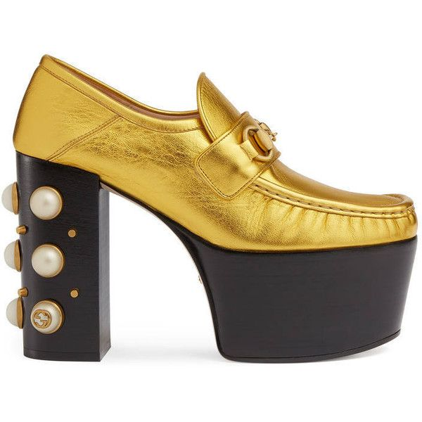 Gucci Studded Metallic Leather Horsebit Loafers ($1,190) ❤ liked on Polyvore featuring shoes, loafers, metallic gold, studded loafers, horsebit loafers, horse-bit loafer, studded shoes and horse bit loafers