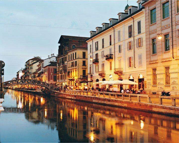 Al Fresco Dining in Milan, Italy