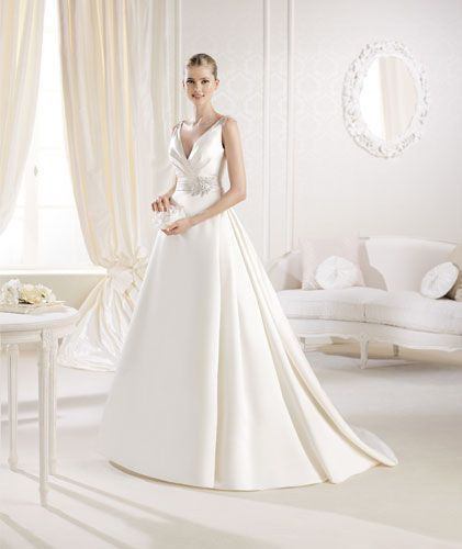 Idaia | Bridal Wear | Bridal Rogue Gallery- Designer wedding gowns & accessories