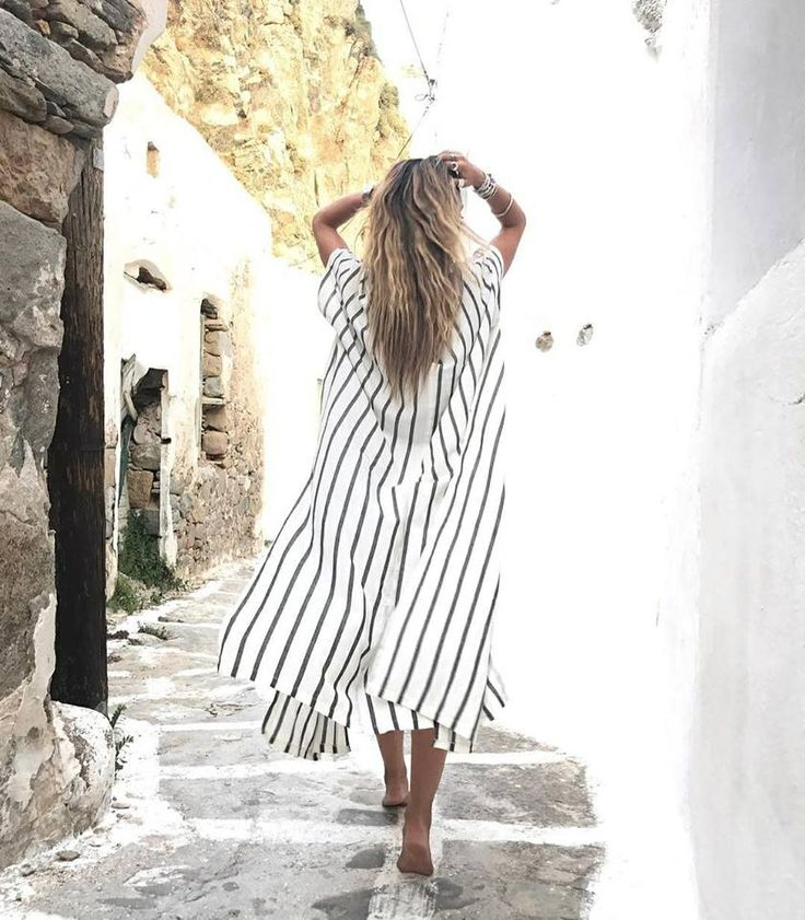 Nelipot • (n.) the one who walks barefoot 👣 @athinao1konomakou #stripes #summer #helmistyle [Shop online: http://bit.ly/2uszItZ