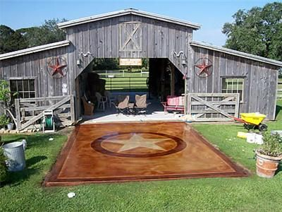 Stained concrete entrance