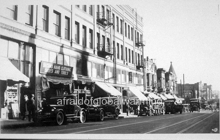 Photo. 1924. Los Angeles, CA. 115 East 2nd Street - Frank's Restaurant - Autos