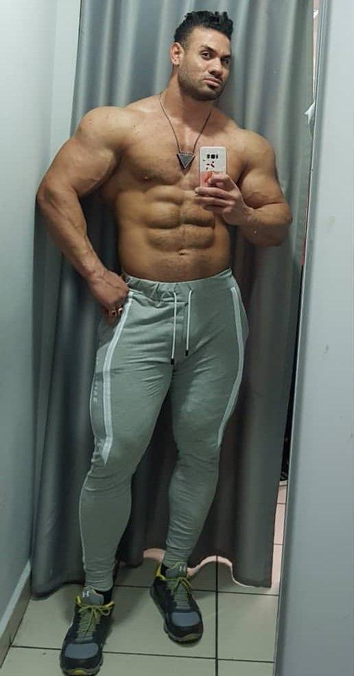 Pin de Juan Carlos Morales en :P | Pinterest | Muscle men, Hot guys y  Muscle hunks