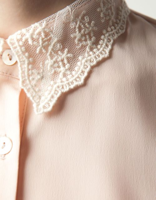 lace collar shirt