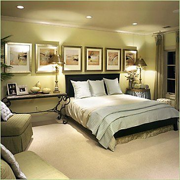 love the colors of this bedroom