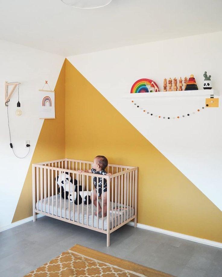 2019 Farbblock Kinderzimmer Ideen gelb und weiß