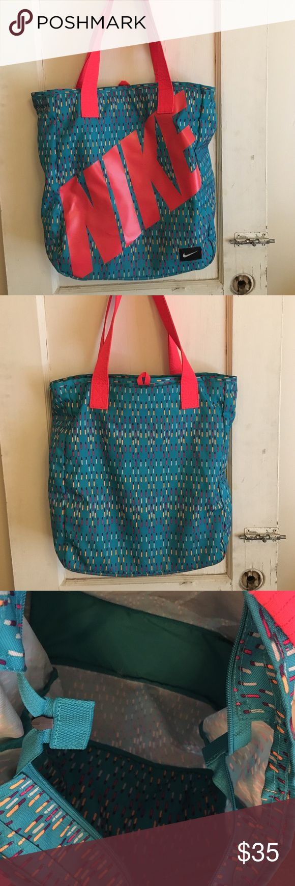 """Nike tote Great condition L 14"""" NO TRADES Nike Bags Totes"""