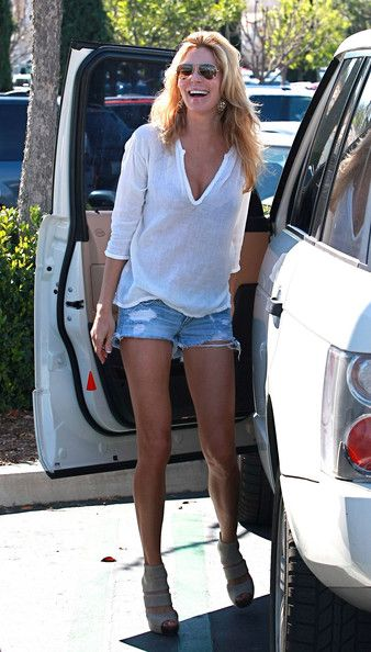 Brandi Glanville Pictures - Brandi Glanville & Son Shopping At Ralph's - Zimbio