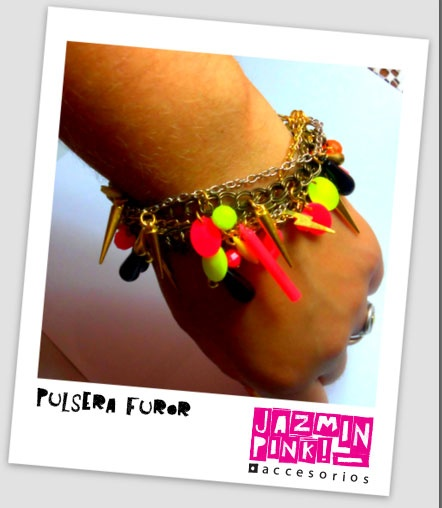 Modelo Furor  Cadenas y muchos colores, ideal para una noche de verano