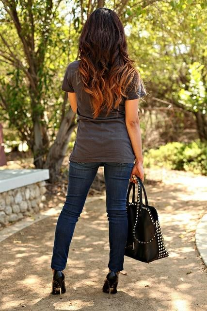 The basics always work - healthy hair, t shirt, jeans, fly shoes and bag! Conquer the world!