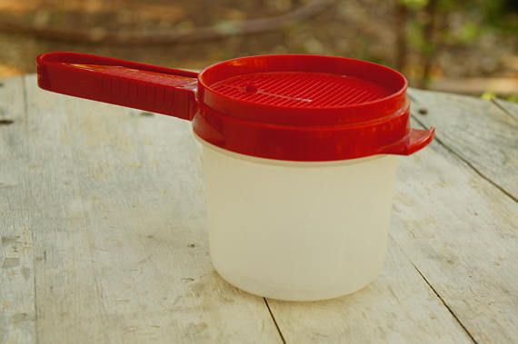Vintage Tupperware Brand Flour Sifter With
