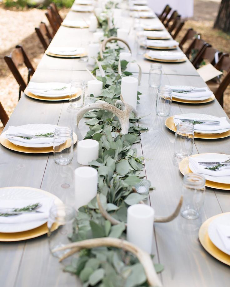I loved how our Henderson Farm Tables looked lined up as a head table for this L…